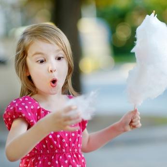 Zuckerwatte macht immer grossen Spass