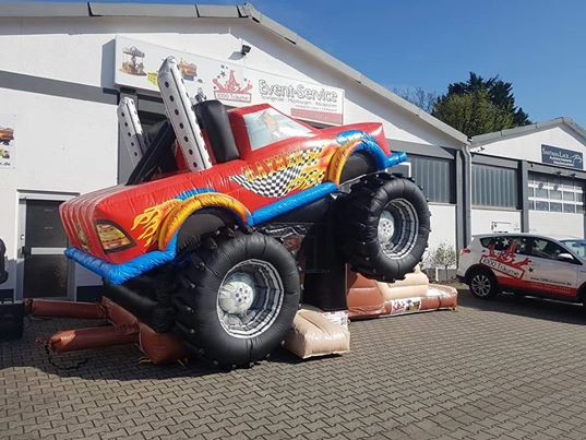 die Tolle Optik der Monstertruck ist ein Highlight